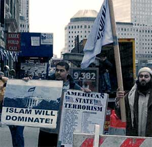 Islamic extremists protest at Ground Zero