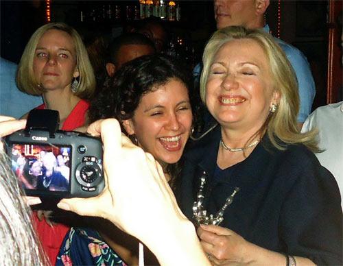 Hillary_Colombia_Drunk_3.jpg