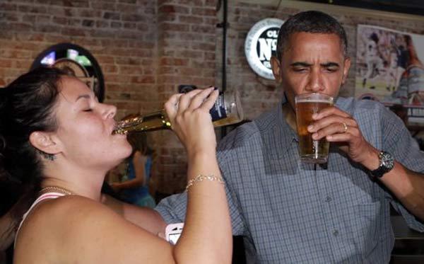 Obama_Drinks_Bear.jpg