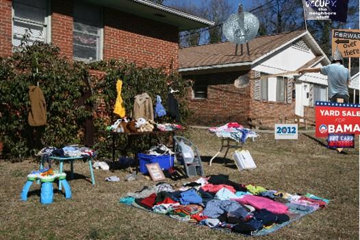 2012_Yard_sale_on_ObamaSt_1.jpg