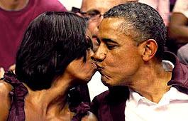 Barack_Michelle_Kiss.jpg