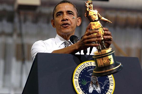 ObamaGetsJoey.jpg