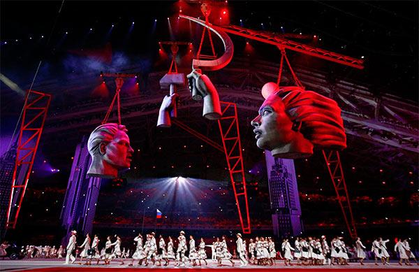Olympic_Hammer_Sickle_Sochi.jpg