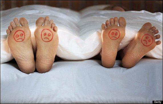 o-COUPLES-SLEEPING-ARGUMENTS-570.jpg