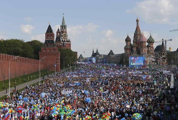 2014-05-01T073112Z_1431527870_GM1EA5116YN01_RTRMADP_3_RUSSIA.jpg