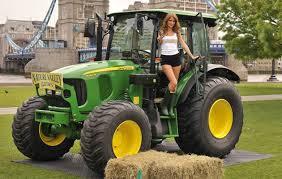 Tractor_girl.jpg