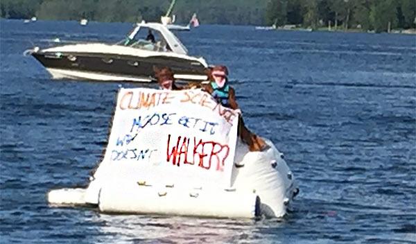 Iceberg_Mosse_Walker_Protest.jpg