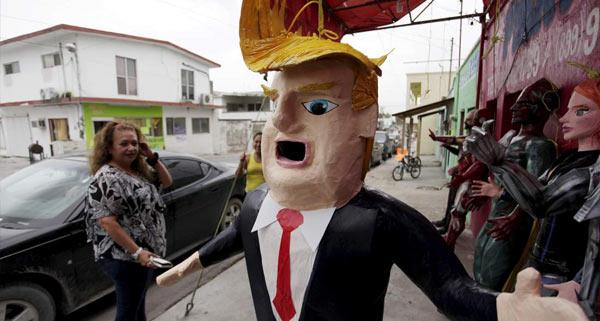 Donald_Trump_Pinata.jpg
