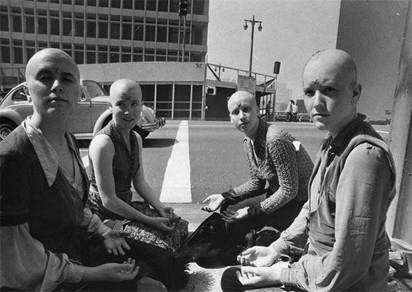 Manson_Girls_Shaved_Heads.jpg