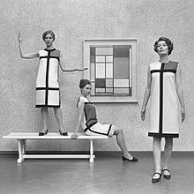 220px-Mondriaanmode_door_Yves_St_Laurent_(1966).jpg