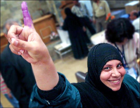 Purple_Finger_Vote.jpg
