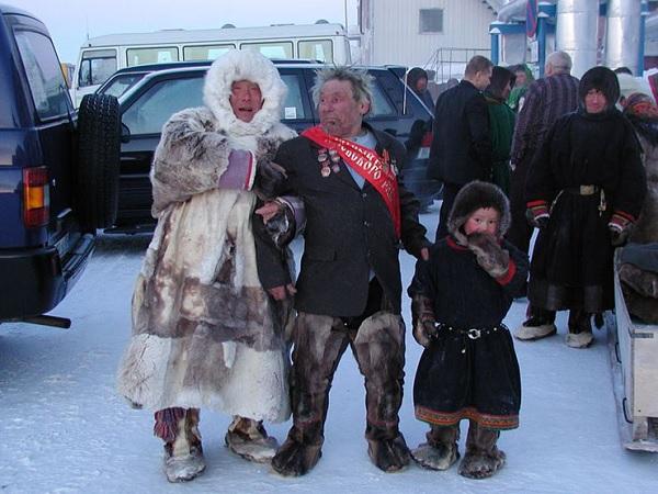SU.warming-icing.wedding.Chukche.Eskimo.jpg