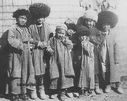 RUS.Karakalpak.kids.(kalpaks.papakhas).jpg