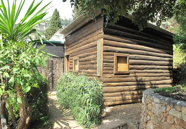 Le Corbusier.Roquebrune-Cap-Martin.petit cabanon.3.66m x 3.66m x 2.66m.1.(spent the last years of his life).(600).jpg