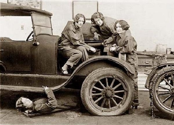 US.girls.nix-Küche-Kirche-Kinder.Traktoristin.(w=600).jpg