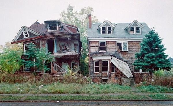 US.Detroit.decay.houses.(600).jpg