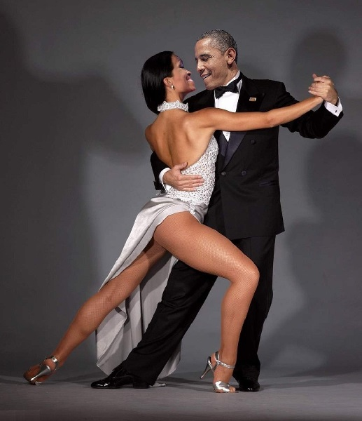 Obama.Herr Hop gibt den Grinser.tango.(2016.03.23).Argentina.(Michelle.arts-opposed).(600).jpg