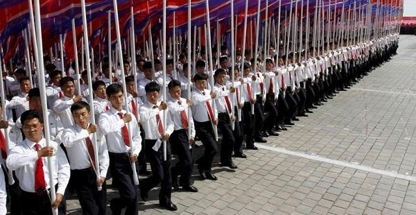 ClimSci.NKOR.2012.Pyongyang.parade.(600).EXCERPT.jpg