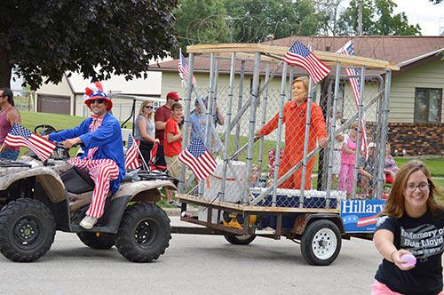 Hillary_Prison_Parade.jpg