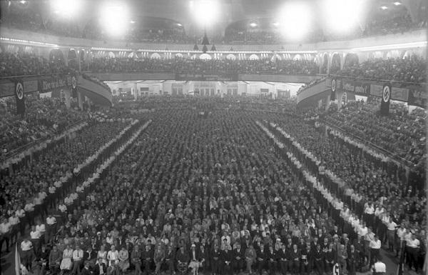 Nazi-time.jpg