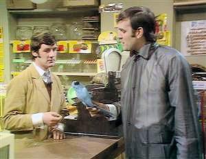 Monty-Python-dead-parrot.png