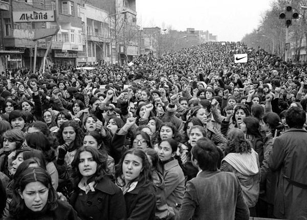 Iran_1979_women_protest_forced_hijab_(600)_Nike.jpg
