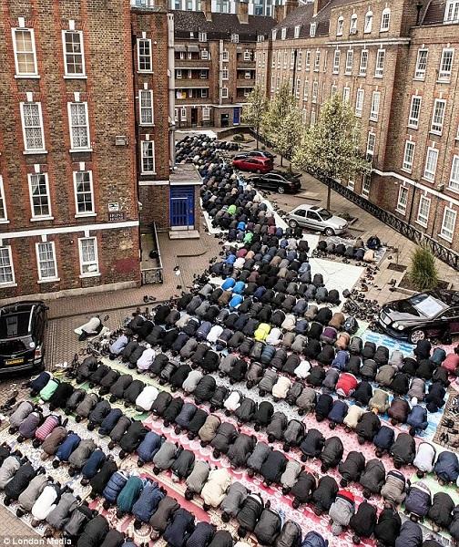 Londonistan_2013_Kampfbeten_(600).jpg