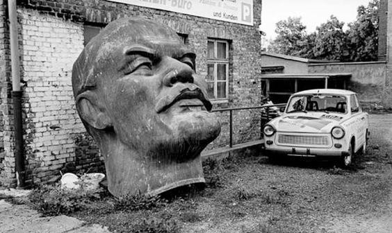 DDR.Lenin.Trabi.Nordhausen.jpg