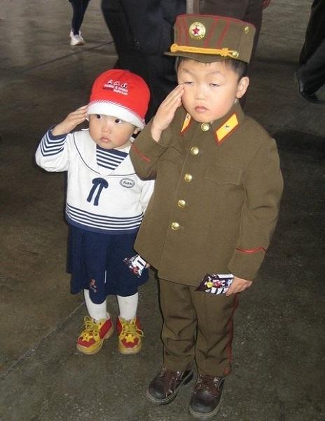 p2_NKOR.uniformed.kids.(600).jpg
