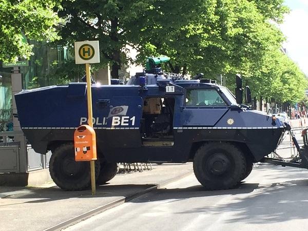 p2_Obama_Berlin_2017_05_25.jpg
