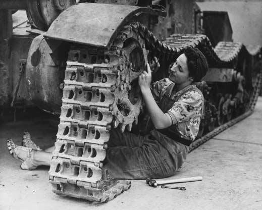 Tank_Strong_Woman.jpg
