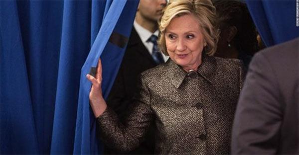 Hillary_Runs_Prez.jpg