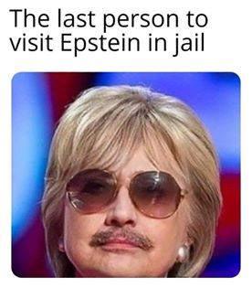 Hillary_Disguise.jpg