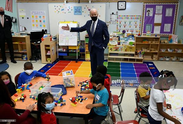 Biden-classroom.jpg