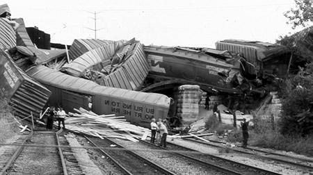 soviet_train_wreck.jpg