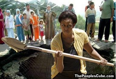 Michelle_Hole_in_Iraq.jpg