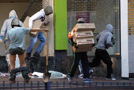 145329-london-riots.jpg