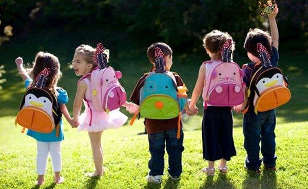 Kids-with-backpacks-652x.jpg