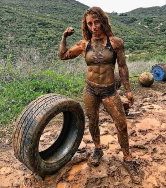 Muscle_Girl.jpg