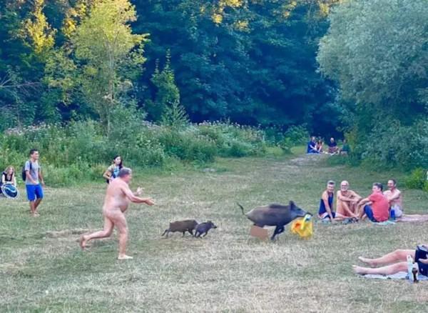 naked man2.jpg