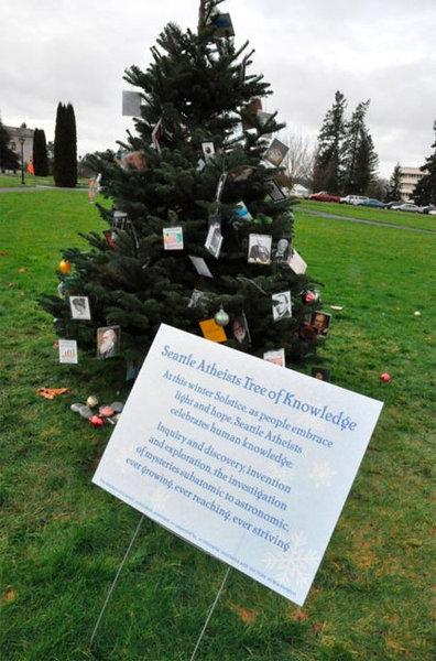 Atheist_Christmas_Tree.jpg